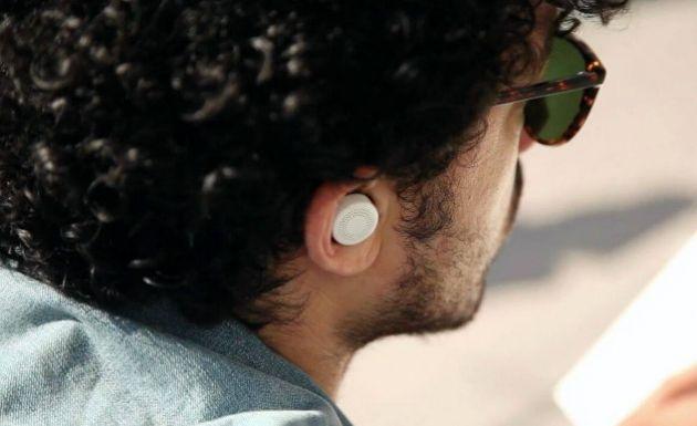 Audifonos-que-filtran-los-sonidos-a-tu-alrededor-controla-el-volumen-del-mundo-real