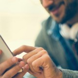 Razones-por-las-que-tu-smartphone-se-calienta-y-rinde-menos-en-verano